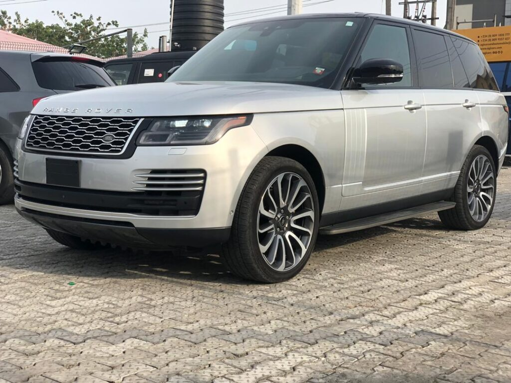 Jautos: Range Rover Vogue 2020