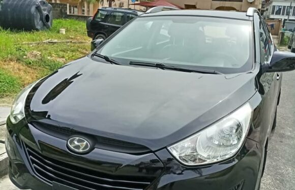 HYUNDAI IX35 2015- N45,000 (AMOUNT PER DAY WITHOUT FUELING)
